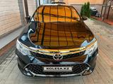 Toyota Camry 2017 года за 13 500 000 тг. в Алматы