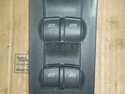 Блок управления стеклоподъемниками AUDI a6 2001г за 555 тг. в Шымкент
