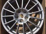 Новые диски на Porsche Cayenne R20-R21 Имеются шины лето-зима Датчики дав за 440 000 тг. в Алматы – фото 2