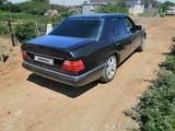 Mercedes-Benz E 230 1991 года за 2 200 000 тг. в Актобе – фото 4