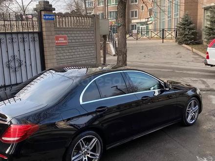 Mercedes-Benz E 220 2018 года за 16 500 000 тг. в Алматы – фото 3