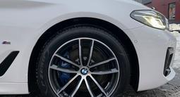 BMW 530 2020 года за 27 500 000 тг. в Алматы – фото 3