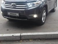 Toyota Highlander 2011 года за 11 000 000 тг. в Семей