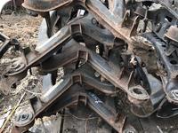 Задняя балка на мерседес c202 за 15 000 тг. в Караганда