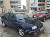 Volkswagen Vento 1997 года за 1 300 000 тг. в Актау – фото 2