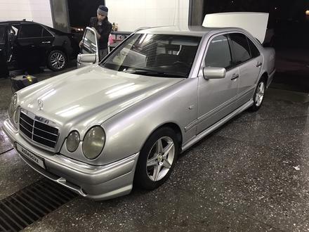 Mercedes-Benz E 230 1996 года за 3 200 000 тг. в Усть-Каменогорск – фото 3