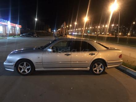 Mercedes-Benz E 230 1996 года за 3 200 000 тг. в Усть-Каменогорск – фото 4