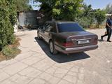 Mercedes-Benz E 200 1994 года за 2 000 000 тг. в Шу – фото 2