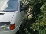 Volkswagen Transporter 2001 года за 2 500 000 тг. в Семей – фото 3