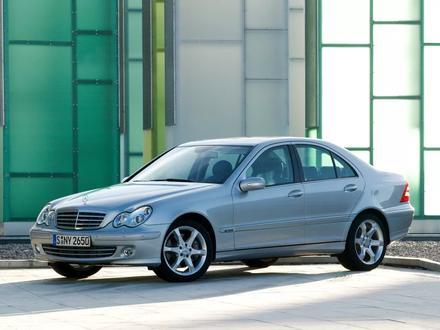 Стекло фары Mercedes-Benz C w203 (2004-2007) за 12 000 тг. в Алматы – фото 2