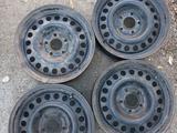 4 диска железных Опель Зафира за 15 000 тг. в Караганда