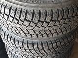 Зимние шины с дисками R16 за 150 000 тг. в Алматы