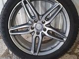Mercedes E — Klass Оригинальные диски с резиной R 19 за 440 000 тг. в Алматы