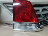 Фонарь в крышку багажника левый Toyota Land Cruiser 200 за 15 000 тг. в Нур-Султан (Астана)