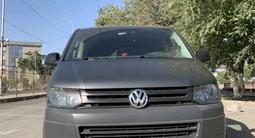 Volkswagen Caravelle 2012 года за 8 000 000 тг. в Шымкент