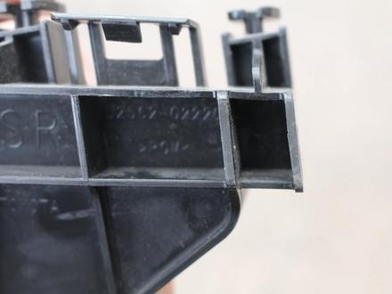 Крепление заднего бампера правый, левый Toyota Corolla e 18 за 10 000 тг. в Караганда – фото 2