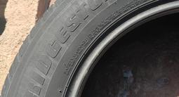 Летние ШИНЫ Bridgestone Dueler за 40 000 тг. в Алматы – фото 2