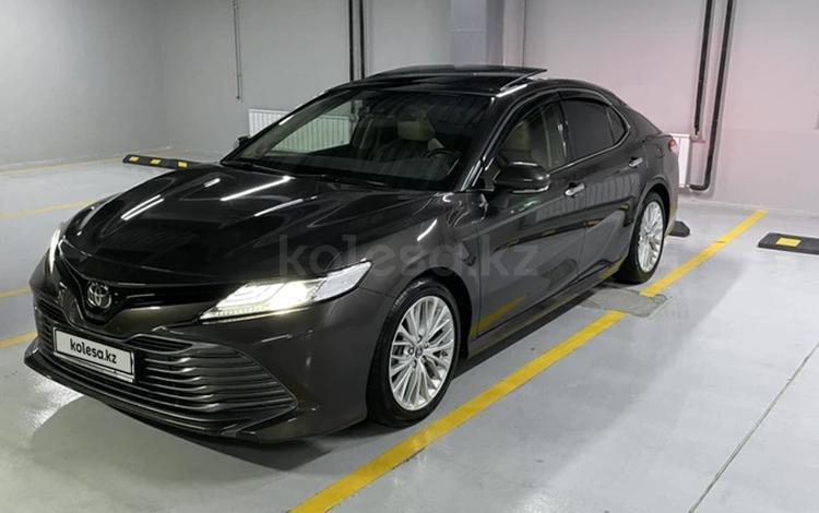 Toyota Camry 2019 года за 15 200 000 тг. в Алматы