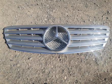 Решетка на Мерседес Mercedes w220 за 15 000 тг. в Алматы