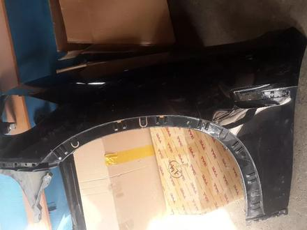BMW E70, X5M крыло левое за 200 000 тг. в Алматы
