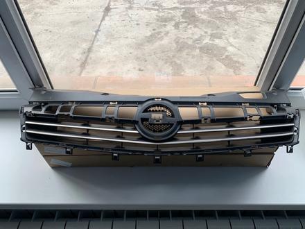 Решетка радиатора Opel Astra H 07- за 28 300 тг. в Алматы