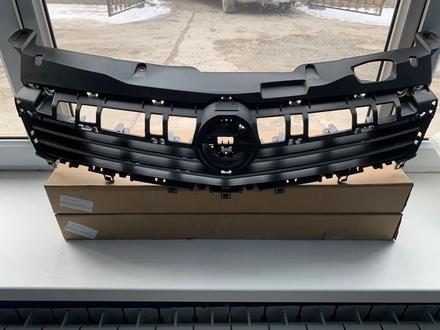 Решетка радиатора Opel Astra H 07- за 28 300 тг. в Алматы – фото 2