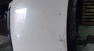 Капот на Honda Odyssey в Алматы
