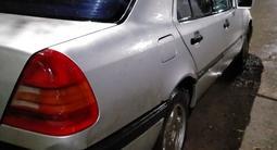 Mercedes-Benz C 180 1994 года за 1 400 000 тг. в Караганда – фото 3