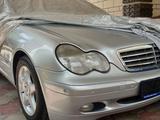 Mercedes-Benz C 240 2002 года за 3 800 000 тг. в Алматы – фото 3