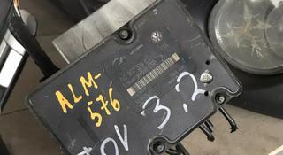 Блок ABS на Фольксваген Таурег 3.2 за 777 тг. в Алматы