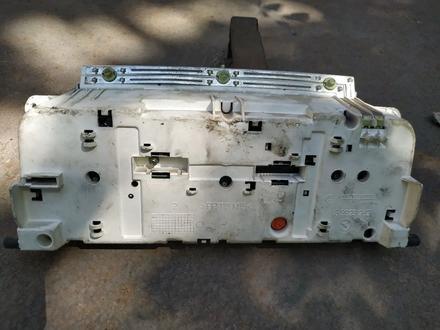 Щиток приборов на WV Т-4 за 111 тг. в Караганда – фото 2
