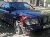 Mercedes-Benz E 230 1991 года за 950 000 тг. в Алматы – фото 2