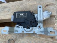 Моторчик привода люка за 25 000 тг. в Актау