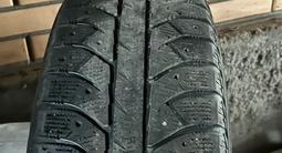 130 Стиль BMW R17 вместе с резиной Bridgestone ice cruser за 170 000 тг. в Алматы – фото 4