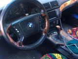 BMW 528 1999 года за 2 800 000 тг. в Караганда – фото 2