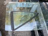 Боковые стекла за 4 000 тг. в Алматы – фото 2
