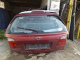 Крышка багажника ниссан примера п11 универсал за 444 тг. в Костанай – фото 2