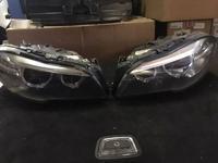 Комплект фар рестайлинг ксенон в сборе f10 LCI BMW за 487 500 тг. в Алматы