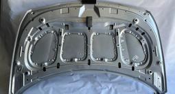 Капот на Hyundai Accent 14-17 цвет серебро за 90 000 тг. в Алматы – фото 4