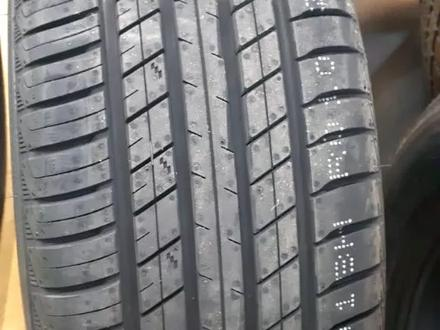 Шины roadx 225/60/r18 Лето за 25 000 тг. в Алматы