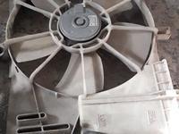 Вентилятор охлаждения на Tayota Avensis T25 за 586 тг. в Караганда