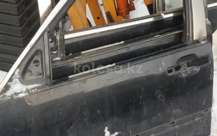 Двери на 220 мерс за 15 000 тг. в Алматы