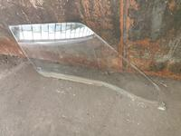 Стекло переднии дверей за 5 000 тг. в Алматы