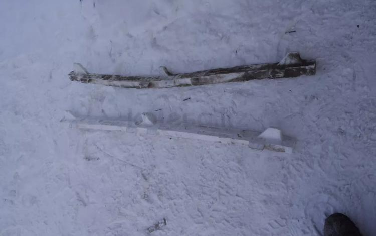 Левый наполнитель пенопласт порога на камри 50 за 2 000 тг. в Нур-Султан (Астана)