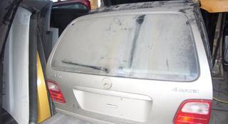 Крышка, дверь багажника на Мерседес w210 универсал за 25 000 тг. в Алматы