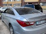 Hyundai Sonata 2011 года за 3 800 000 тг. в Караганда – фото 2