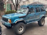 Jeep Cherokee 1993 года за 2 400 000 тг. в Алматы