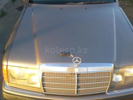 Mercedes-Benz E 230 1992 года за 1 550 000 тг. в Павлодар – фото 3