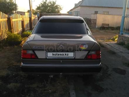 Mercedes-Benz E 230 1992 года за 1 550 000 тг. в Павлодар – фото 4