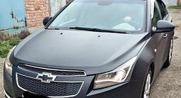Chevrolet Cruze 2011 года за 2 600 000 тг. в Семей – фото 2